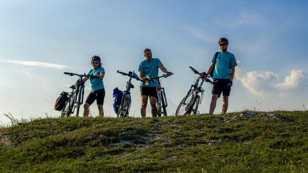 zamek olsztyn, rowery, zwiedzanie, rowerowy szlak orlich gniazd